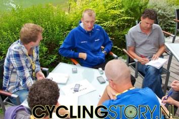 45 minuten later kwamen ook Robert Gesink, Denis Menchov en Grischa Niermann terug van hun verkenningsritje voor morgen (foto: © Laurens Alblas/Cyclingstory.nl)