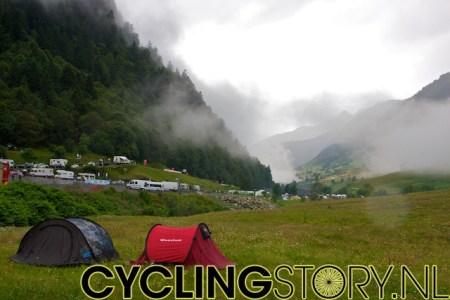 Vanaf de parkeerplaats konden we zien dat elke weg, op het parcours na, in de omgeving vol stond met campers (foto: © Laurens Alblas/Cyclingstory.nl)
