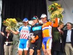 De Noor werd geflankeerd door twee Nederlanders. (foto: © Tim van Hengel/Cyclingstory.nl)