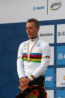 Philippe Gilbert in de regenboogtrui. (foto: © Tim van Hengel / cyclingstory.nl)