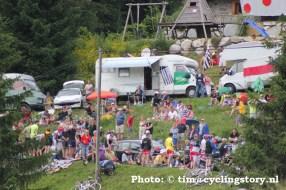 Er kwam veel publiek af op deze slotklim. (foto: © Tim van Hengel / cyclingstory.nl)