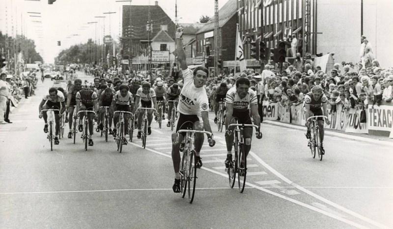 Van_Poppel_foran_Bontempi_1985