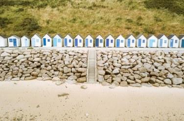 Cotentin - Les cabines de plage de la Potinière à Carteret