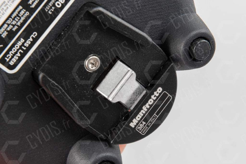 Fixation Manfrotto du scanner PX-80