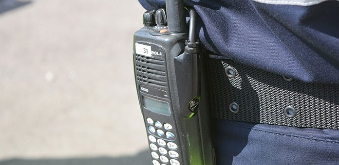 Zalety i wady krótkofalówek. Dlaczego warto zaopatrzyć się w radiotelefon?