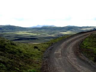 Grusväg på Island med fin utsikt
