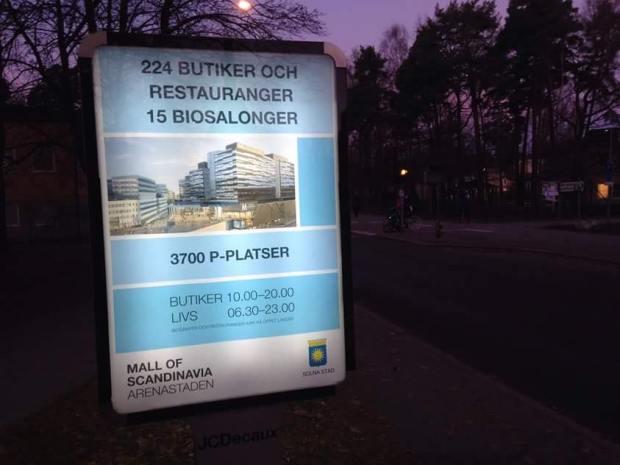 TRETUSENSJUHUNDRA PRIMA PARKERINGSPLATSER! Foto: Tobias Östberg
