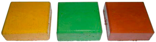 Sellado superficial con recubrimiento de resina. Aspecto de piezas de hormigón de colada con revestimiento superficial de resina base disolvente satinada.