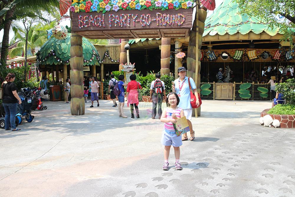Universal studios beach party go-round