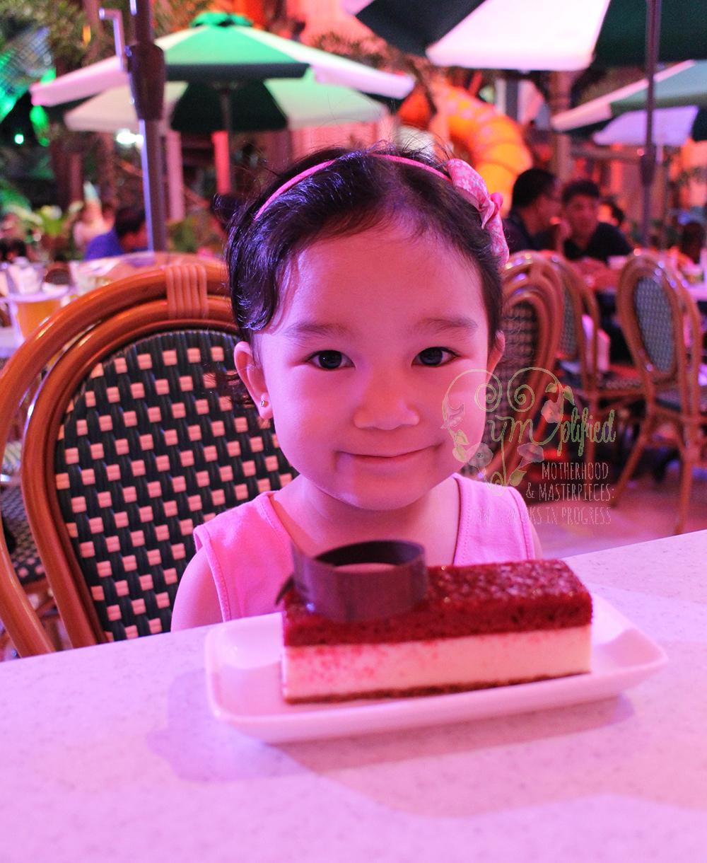 dreamplay red velvet cheesecake