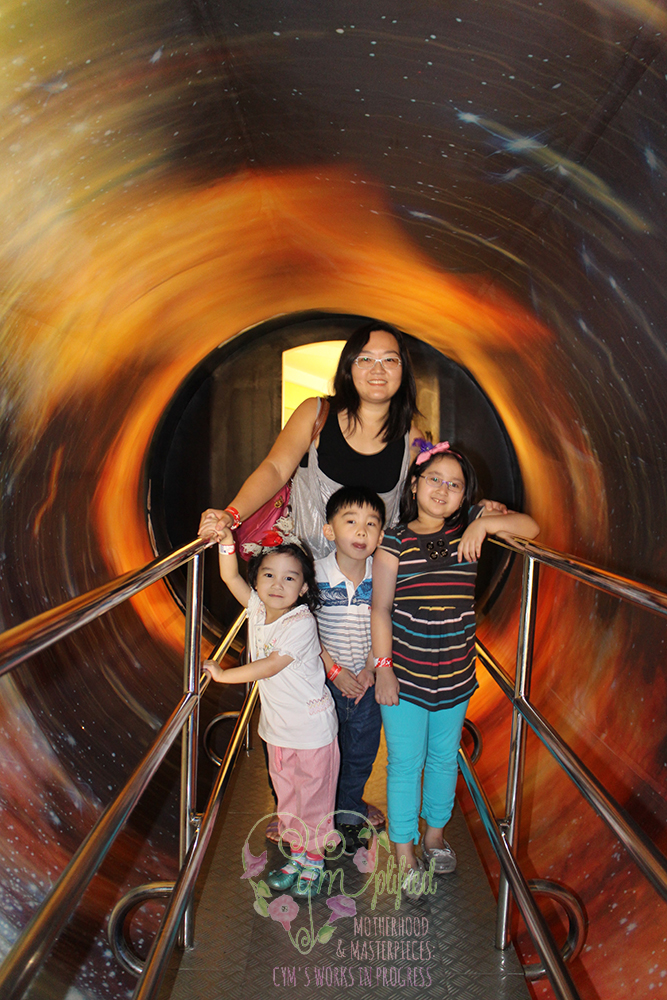 mind museum rotating tunnel