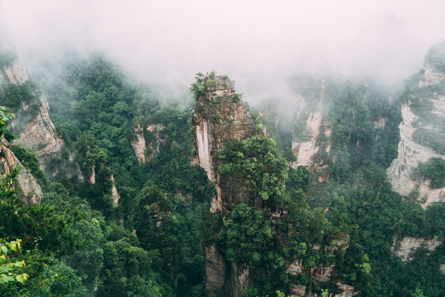 photo of the avatar mountains at zhangjiajie national park