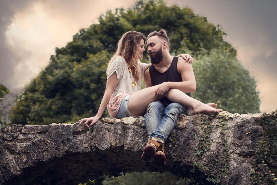 séance photo de couple romantique photographe paris