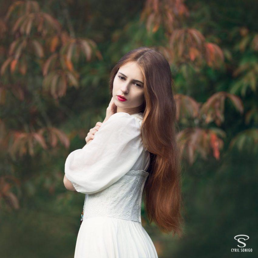 Séance de portrait romantique d'Hana Bolkonski par le photographe Cyril Sonigo