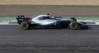 Mercedes W09 Hamilton bok prezentacja