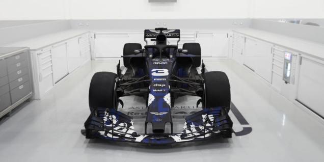 Red Bull RB14 przód malowanie tymczasowe