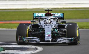 2020 Mercedes W11 prezentacja Hamilton 05