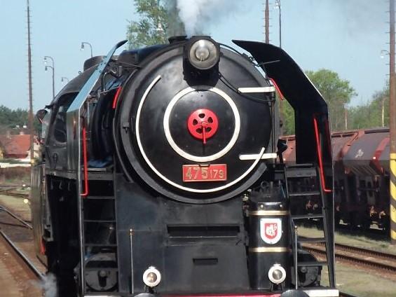 Parní vlak vás doveze  na oslavy výročí republiky na Křivoklát 28.10.2018