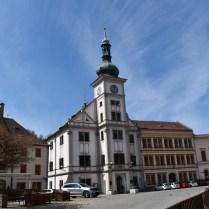 Loket náměstí s radnicí