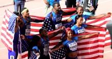 vítězná štafeta USA na 4x 100 m mužů a štafeta žen, ketrá skončil třetí na MS 2019