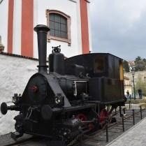 káva s párou lokomotiva AA