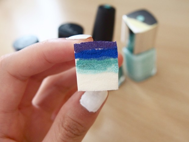 Sponge gradient nail art