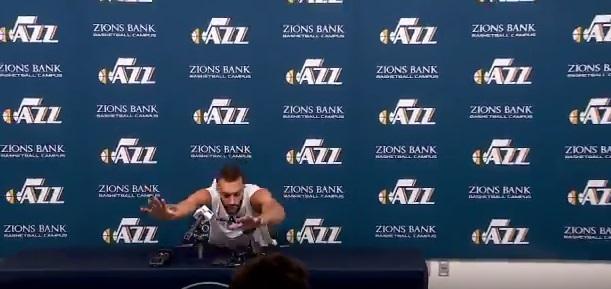 O koszykarzu, który chciał się domacać koronawirusa.