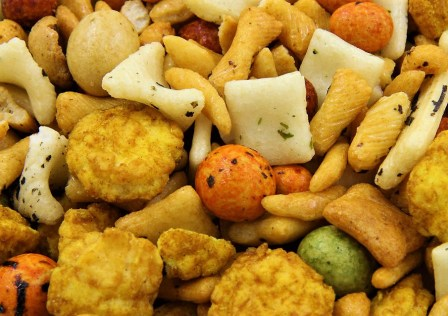 9037-close-up-of-rice-crackers-pv