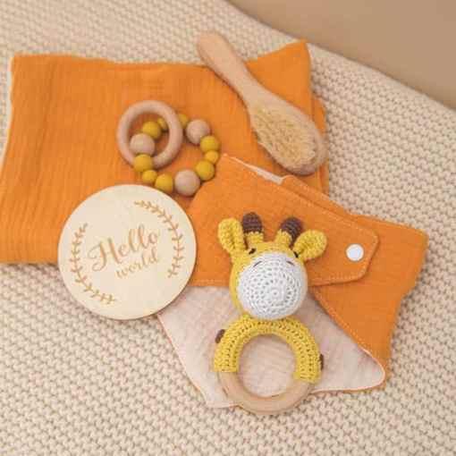 babygeschenk set giraffe gelb set2