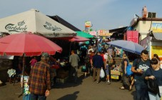 Ein Markt nähe des Bahnhofs