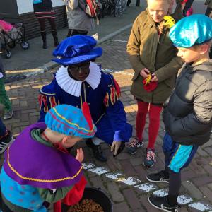 aankomst sinterklaas en zwarte piet met stoomboot Texel Oudeschild-2