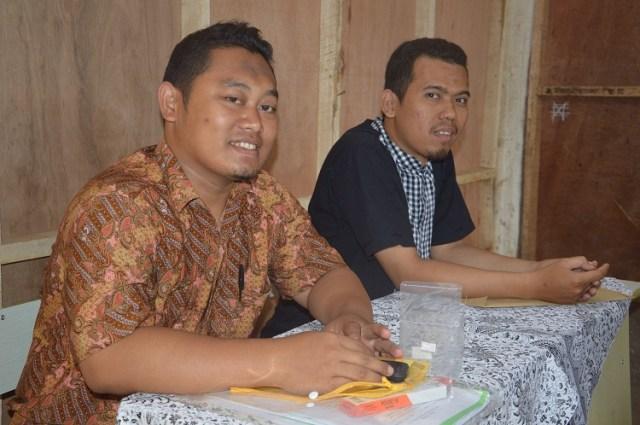 Pengawas Ujian Ust Taufiq dan Ust Anang