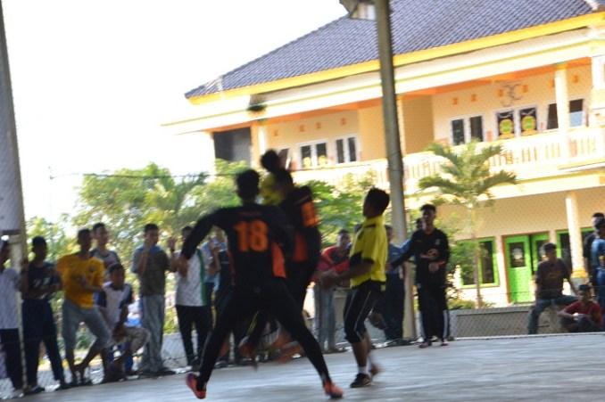 Pertandingan Di Arena Futsal PPDU