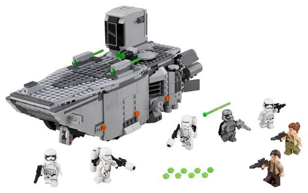 Le First Order Transporter avec le Capitaine Phasma (75103).