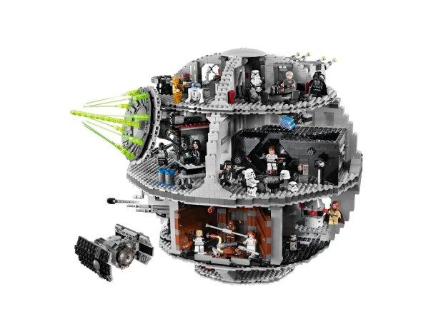 La précédente version de l'Étoile de la Mort, la référence 10188 qui n'est plus éditée aujourd'hui (LEGO)