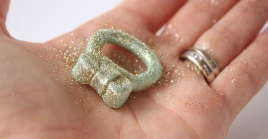 chiropiito-dachtilidi-me-fiogko-ke-glitter6_