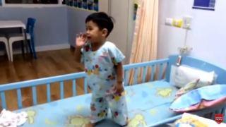 เด็กป่วยร้องเพลงเต้น..สร้างสุขได้ by DaddyThumb