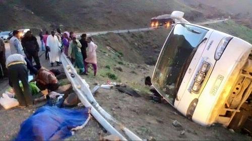 سيارة عائلية تهوي إلى واد بمنطقة تادارات بالطريق الوطنية رقم 9 بين مراكش و ورزازات