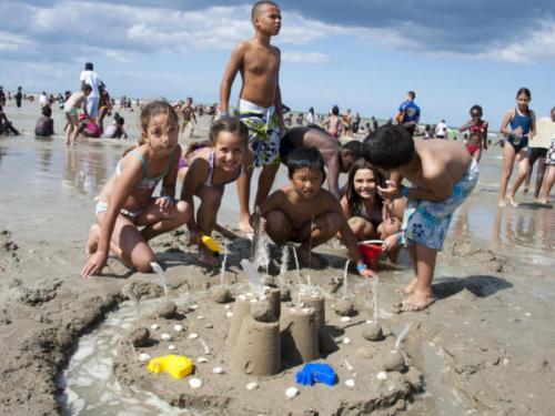 أطفال من تازارين يشاركون في مخيم صيفي بفرنسا