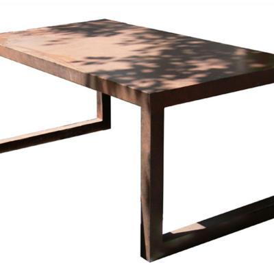 Mesa Sau con sobre de plancha acabado pintado óxido 200x100cm