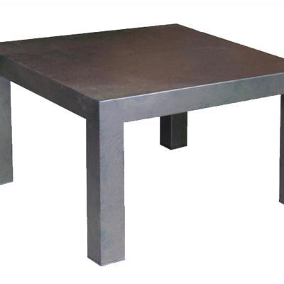Mesa Neo 8x8 sobre plancha de acero pintado óxido de 140x140cm