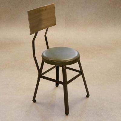 Silla Industrial hierro barnizado asiento tapizado piel verde envejecida