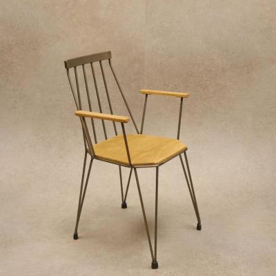 Sillon Teia estructurahierro natural barnizado asiento madera envejecida y apoyabrazos de roble