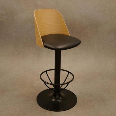 Taburete Allen H-78 estructura en negro con asiento tapizado sintetico negro y respaldo madera acabado natura