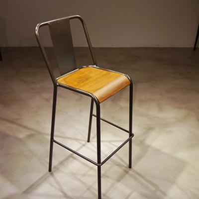 Taburete Rochelle hierro barnizado asiento madera envejecida