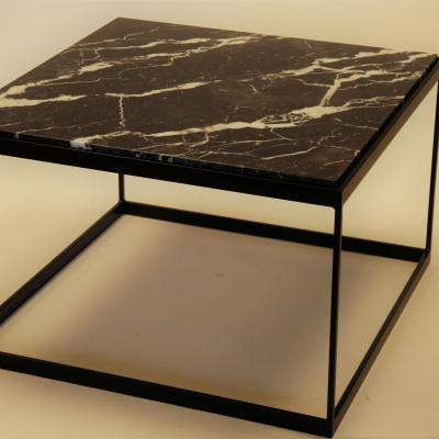 Mesa Zurich H-45 estructura en negro con sobre de marmol negro 70x70
