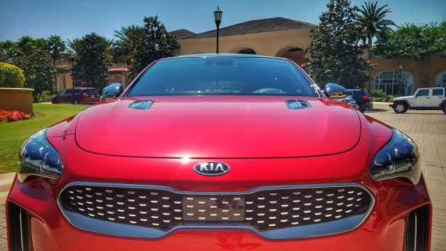Mom 2 Summit - Kia Stinger