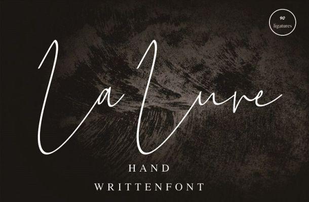 La Lune Handwritten Font