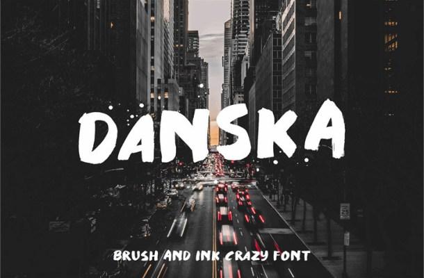 Danska Brush Font