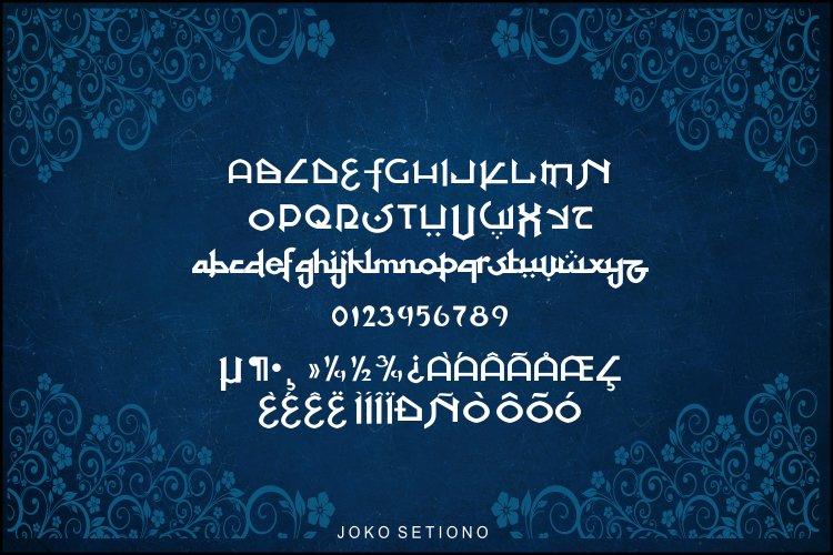 At Tupats Font-3